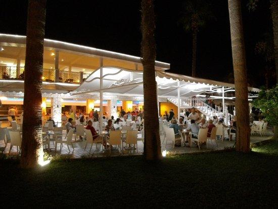 Ideal Prime Beach : Snack Bar at 11pm-Holland v Argentina