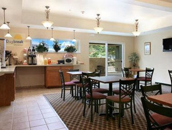 Days Inn Manitou Springs: Breakfast Area