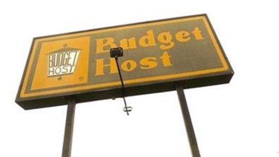 Budget Host Airport Inn : Motelsign