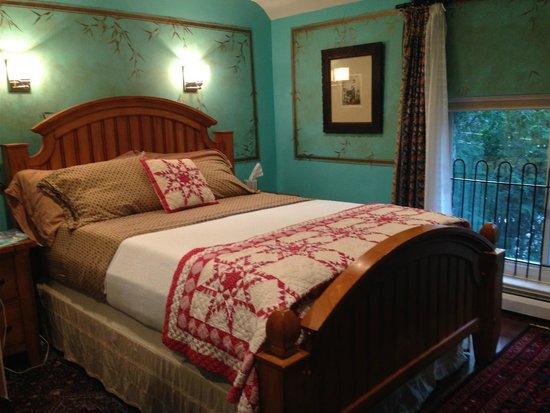 Alpenhof Bed and Breakfast: Otto's Room