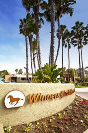 Winners Circle Resort: Exterior