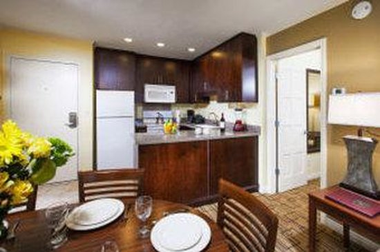 Winners Circle Resort: 2 Bedroom Kitchen - Dining