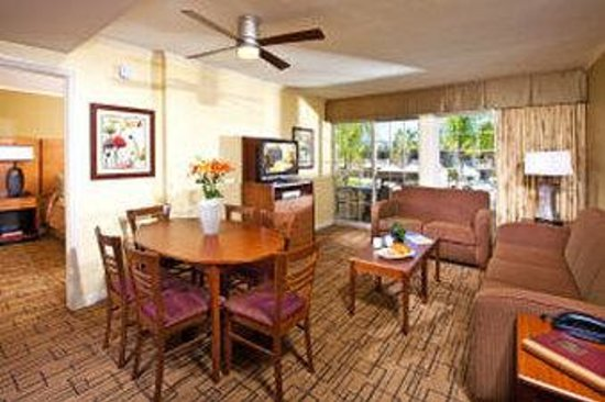 Winners Circle Resort: 1 Bedroom Living Room