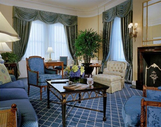 the towers of the waldorf astoria new york city 2016. Black Bedroom Furniture Sets. Home Design Ideas