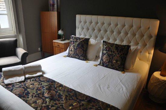 Casa dos Loios by Shiadu: Bedroom