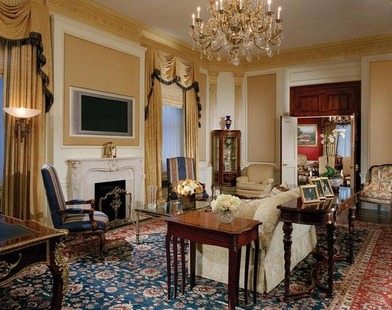 The Towers of the Waldorf Astoria: Waldorf Towers Grand Suite Parlor H