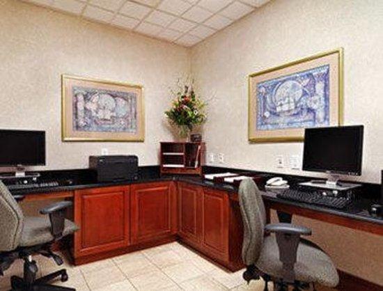 Wingate by Wyndham Atlanta/Buckhead: Business Center