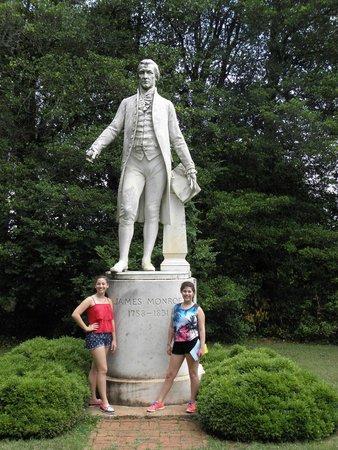 James Monroe's Highland : Statue of James Monroe