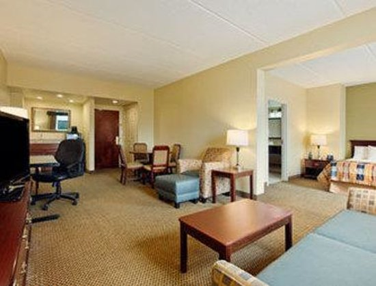 Wingate by Wyndham Rock Hill / Charlotte / Metro Area: Suite