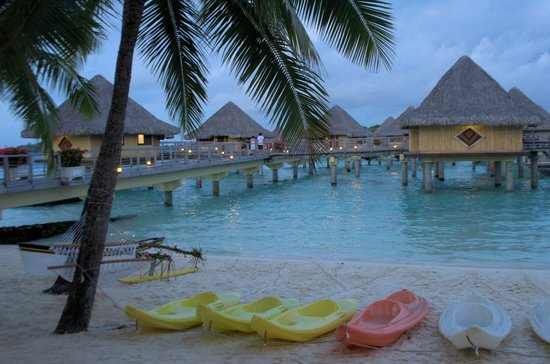 InterContinental Bora Bora Le Moana Resort : Water sports at the Resort