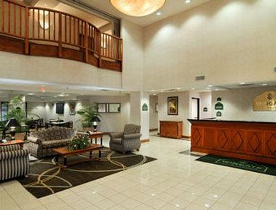 Wingate by Wyndham Cleveland : Lobby