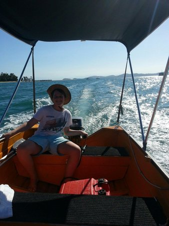 Mission Beach Boat Hire: This 6hp hire boat gets along nicely and can take you all the way over to Dunk Island! Seats up