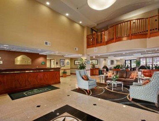 Wingate by Wyndham Wilmington: Lobby
