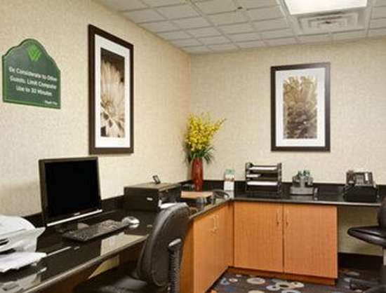 Wingate by Wyndham Wilmington: Business Center