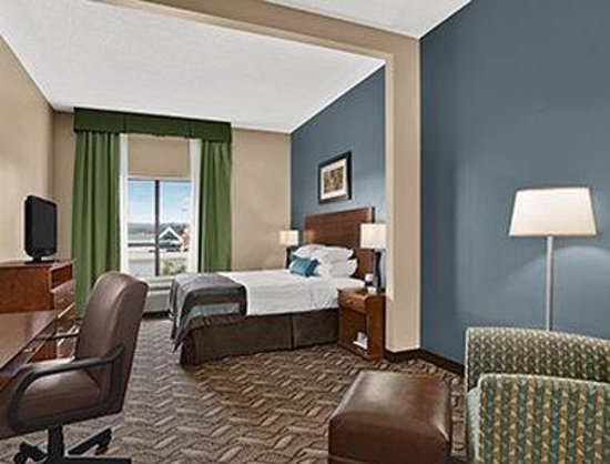Wingate by Wyndham Latrobe : Standard King Room