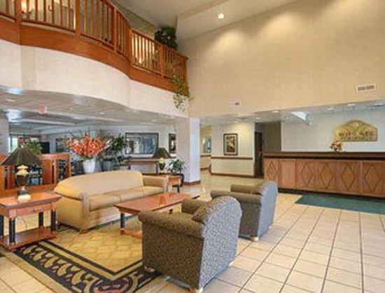 Wingate by Wyndham Lexington: Lobby