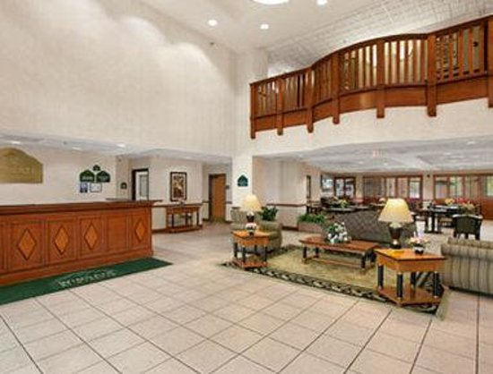 Wingate By Wyndham Indianapolis Airport-Rockville Rd.: Lobby