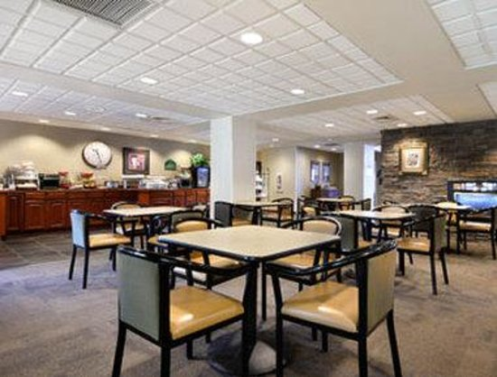 Wingate by Wyndham Helena: Breakfast Area