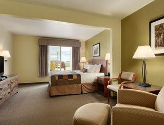 Wingate by Wyndham Helena Airport: Standard King Bed Room