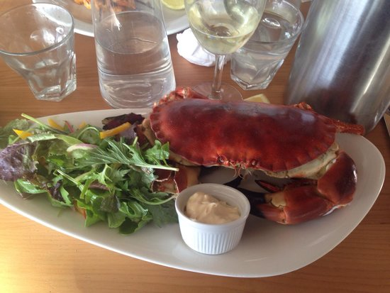 Shell Bay Seafood Restaurant: Local crab