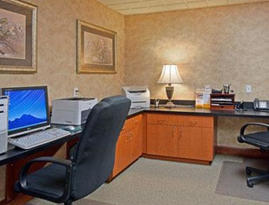 Wingate by Wyndham Panama City Area Lynn Haven : Business Center