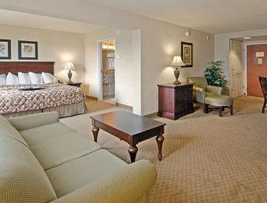 Wingate by Wyndham Panama City Area Lynn Haven : Suite