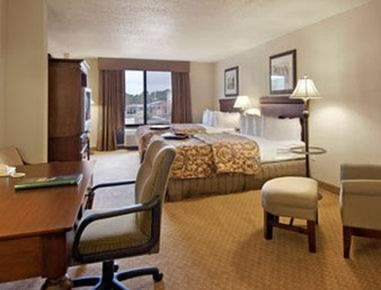 Wingate by Wyndham Panama City Area Lynn Haven: Standard Two Queen Bed Room
