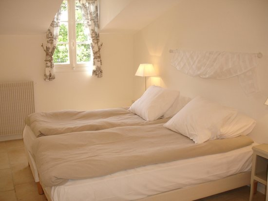 Les Armoiries: Apartment twin room