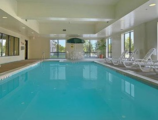 Wingate by Wyndham BWI Airport: Pool