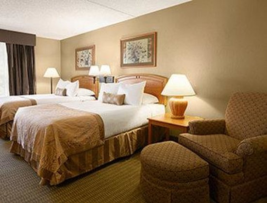 Wingate by Wyndham Little Rock: Two Double Bed Room