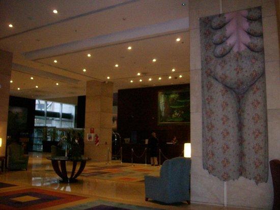 Sheraton Mendoza Hotel: Amplio Lobby
