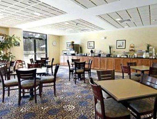 Wingate by Wyndham Destin : Breakfast Area