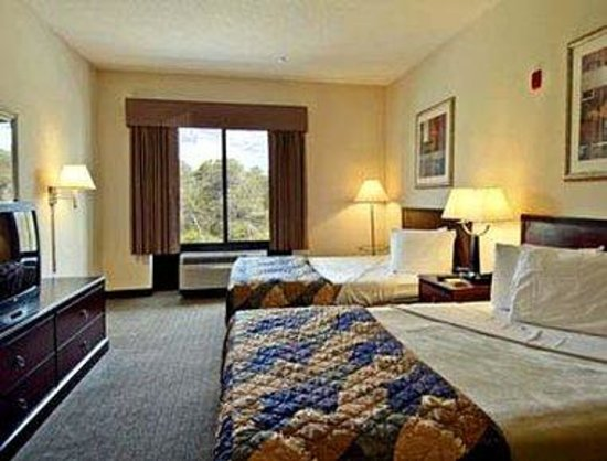 Wingate by Wyndham Destin: Standard Two Double Bed Room