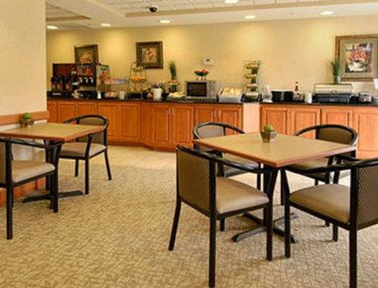 Wingate by Wyndham Tupelo : Breakfast Area