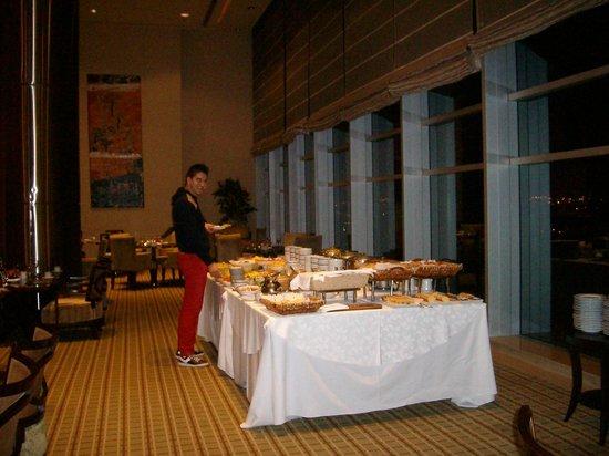 """Sheraton Mendoza Hotel: Desayuno en el piso 17 """"El Mirador"""""""