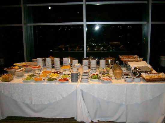 Sheraton Mendoza Hotel: Impresionante desayuno buffet