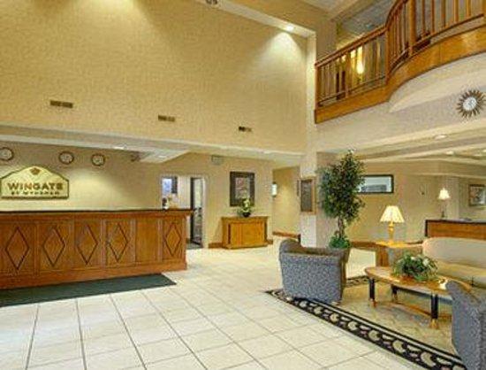 Wingate by Wyndham Columbus : Lobby