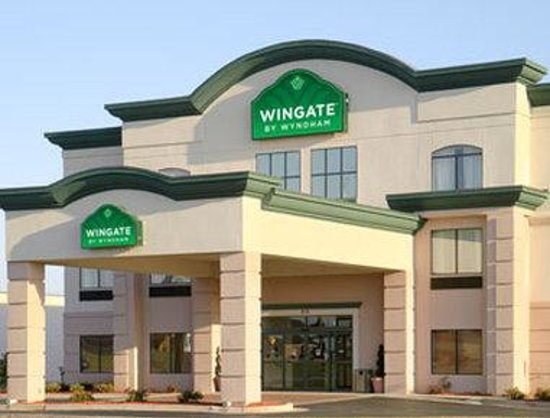 Wingate by wyndham warner robins updated 2017 prices for The wingate