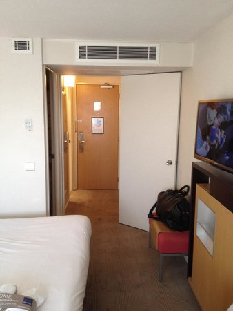 Novotel Birmingham Airport: Enterance to exec room
