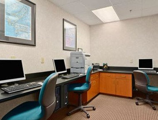 Wingate by Wyndham Tampa/At USF: Business Center