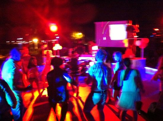 MARTI Resort de Luxe : Party time