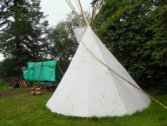 Tir na nOg: Teepees outside
