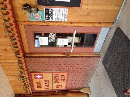 Valemount Swiss Bakery: Front of restaurant