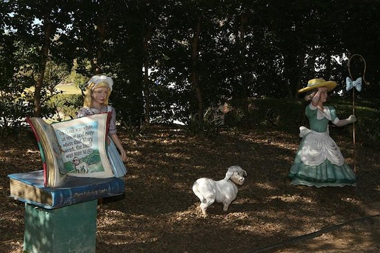 Hunter Valley Gardens: Mary had a little lamb