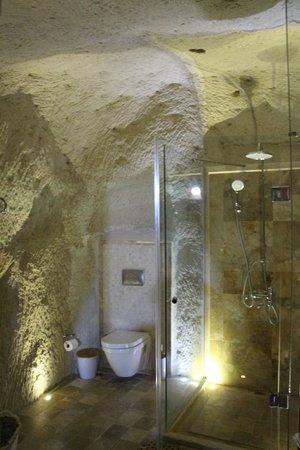 Azure Cave Suites: Bathroom of room 1