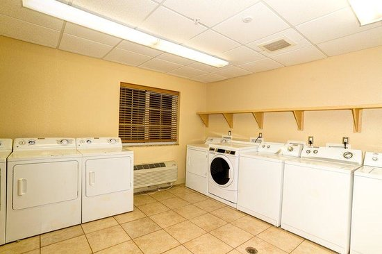 Candlewood Suites Ft Myers - I-75: Complimentary Guest Laundry