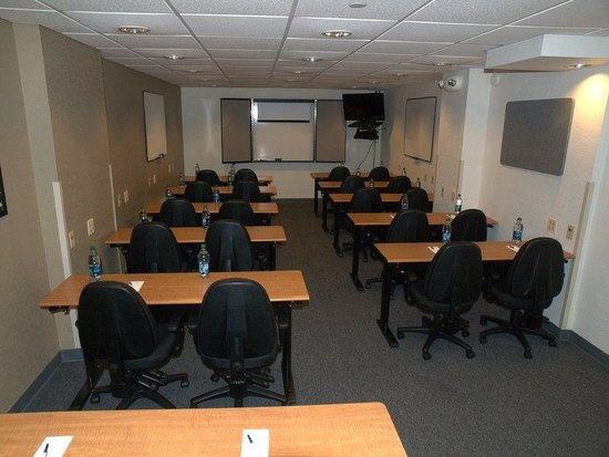 Candlewood Suites Chicago O'Hare: Meeting Room