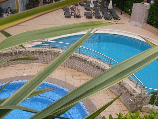Sumus Hotel Monteplaya : Бассейны