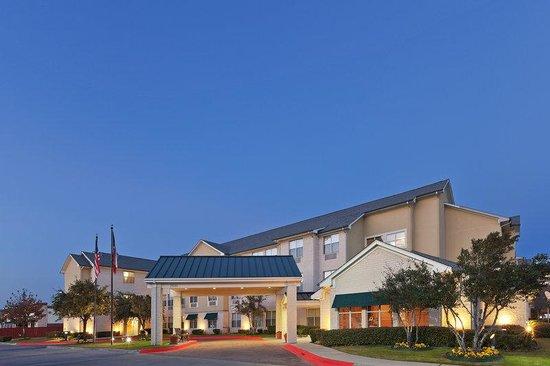 Candlewood Suites - Dallas Market Center: Hotel Exterior