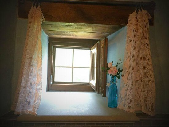 B&B Cà Maranghi : Bathroom window